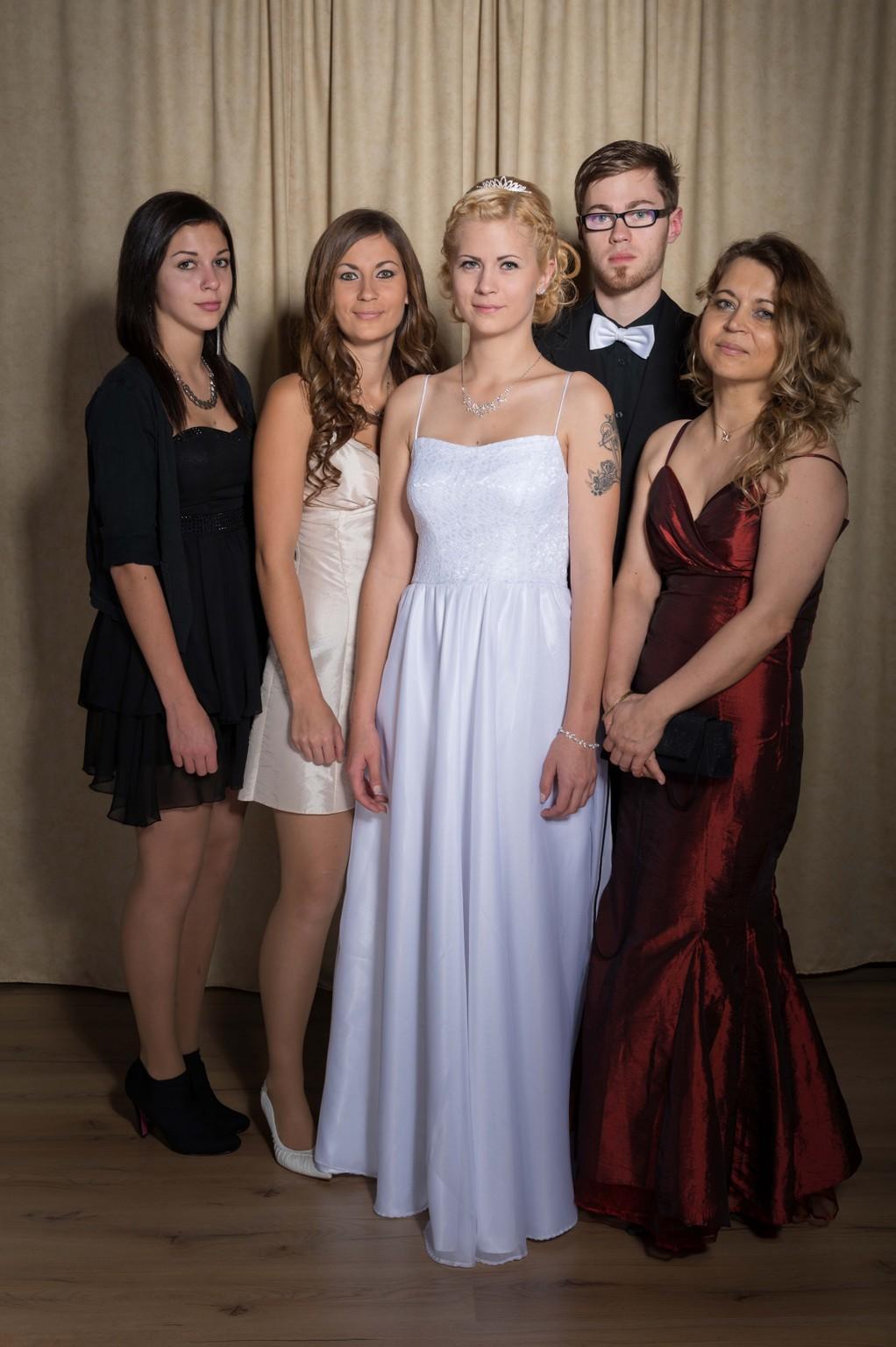 Portraits studio gruppen homepage 01 manfred karner for Js innendekoration